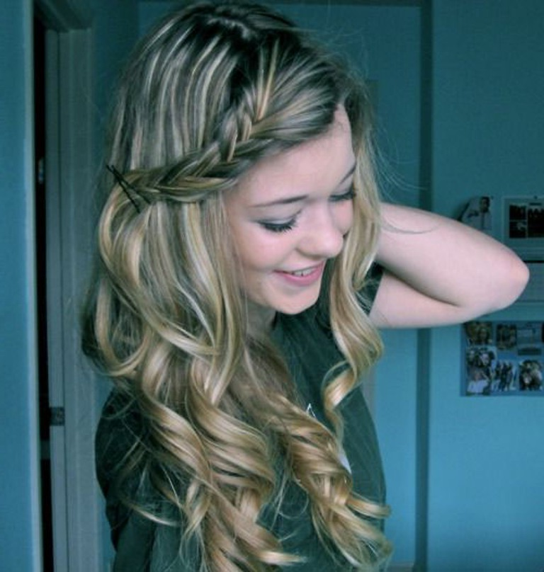 Simple Hairstyles For Curly Hair Women39s