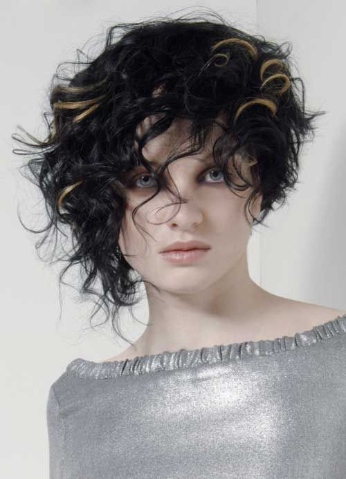 Funky Short Curly Hairstyles for Girls with Highlights Pictures ...
