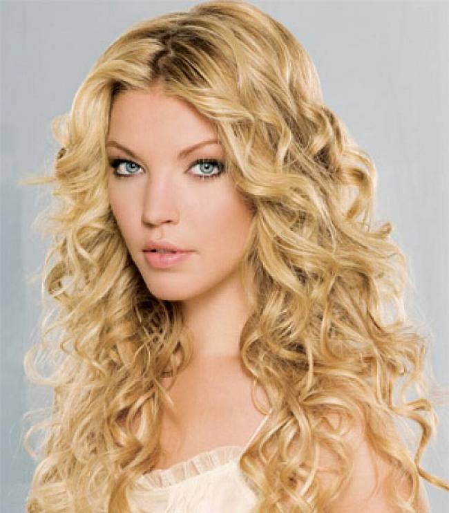 Long Blonde Curly Hairstyles