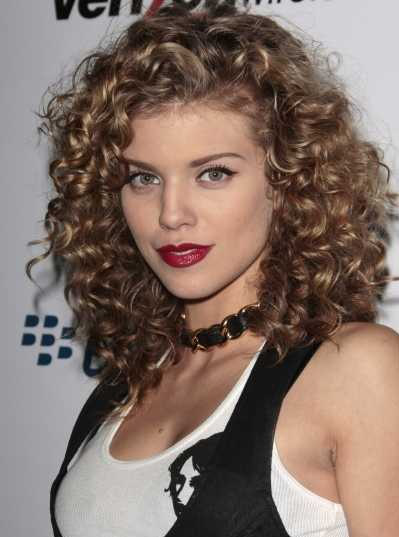 Sensational Medium Length Curly Hairstyle For Thick Hair
