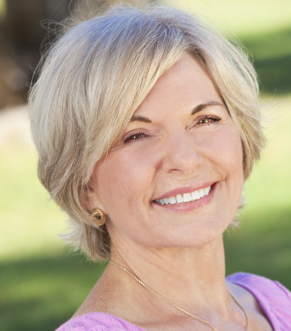 short hairstyles for fine hair and round face over 50