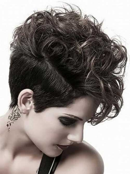 Stupendous 50 Short Curly Hairstyles To Look Amazing Fave Hairstyles Hairstyles For Women Draintrainus