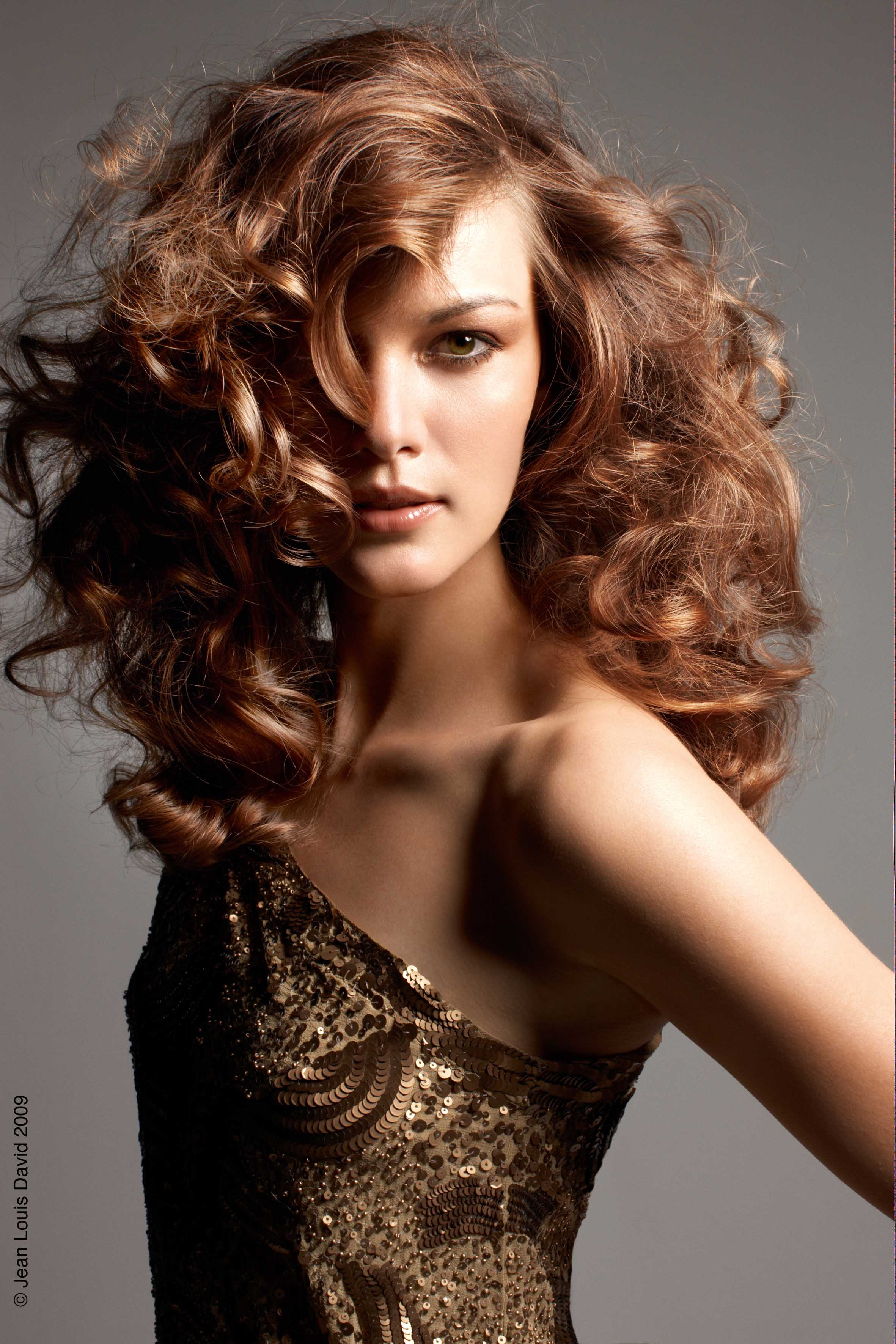 Curly Hair Color Trends