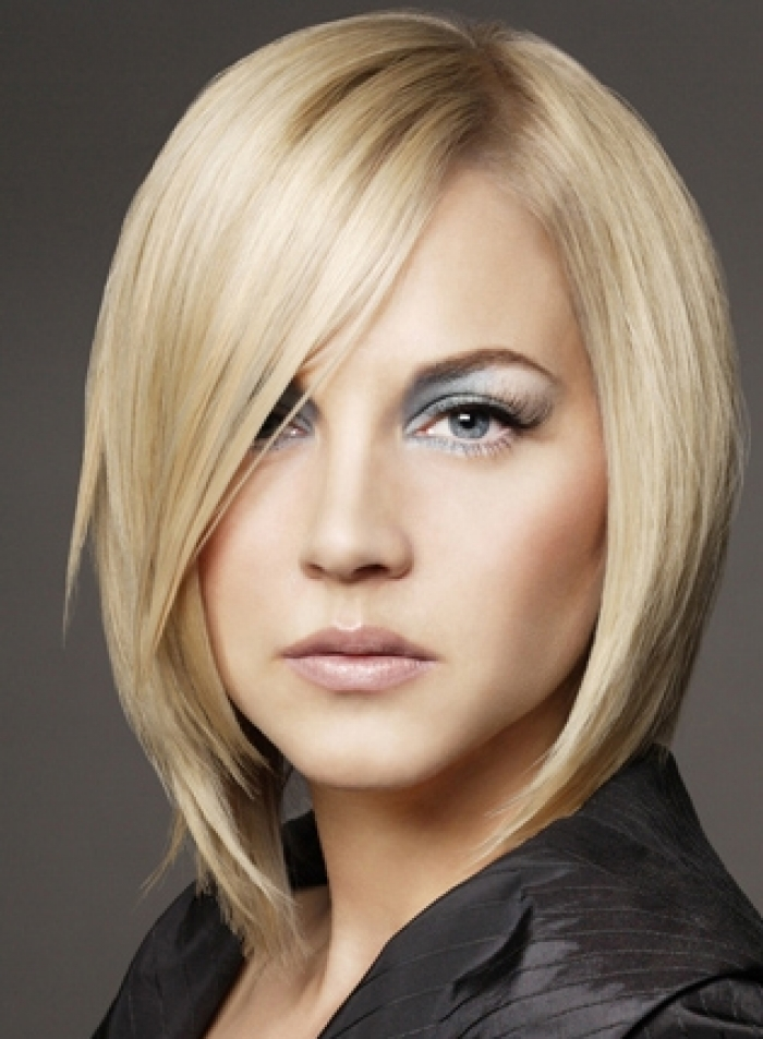 Medium Layered Bob Hairstyles