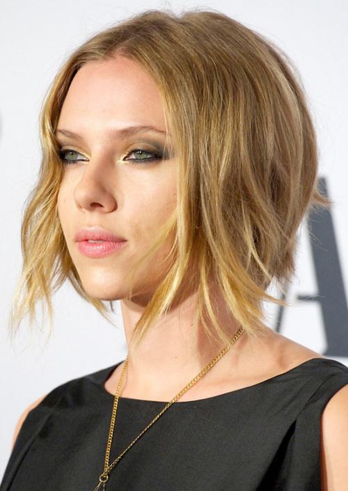 Scarlett Johansson short hairstyle for fine hair