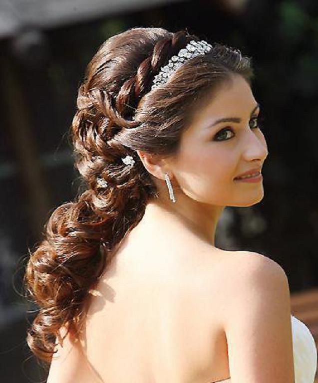 Best Wedding Hairstyles for Bridesmaids