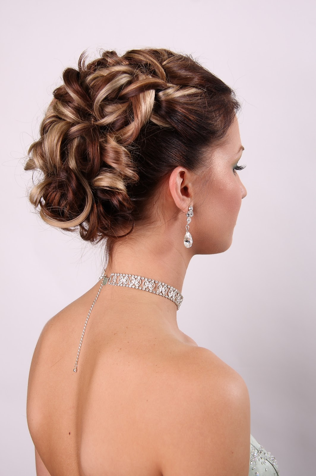 50 hairstyles for weddings to look amazingly special fave hairstyles. Black Bedroom Furniture Sets. Home Design Ideas