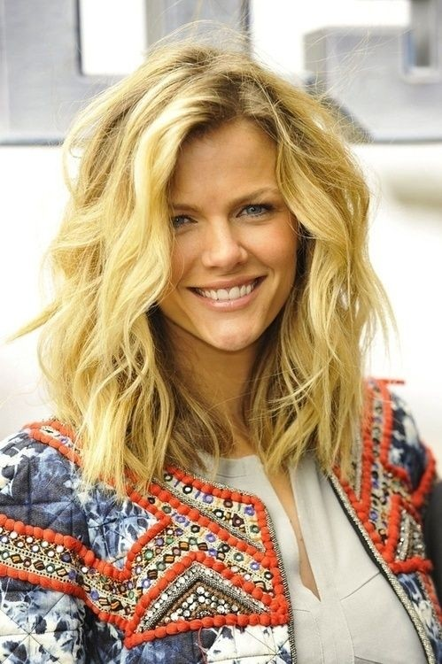 medium length hairstyles casual