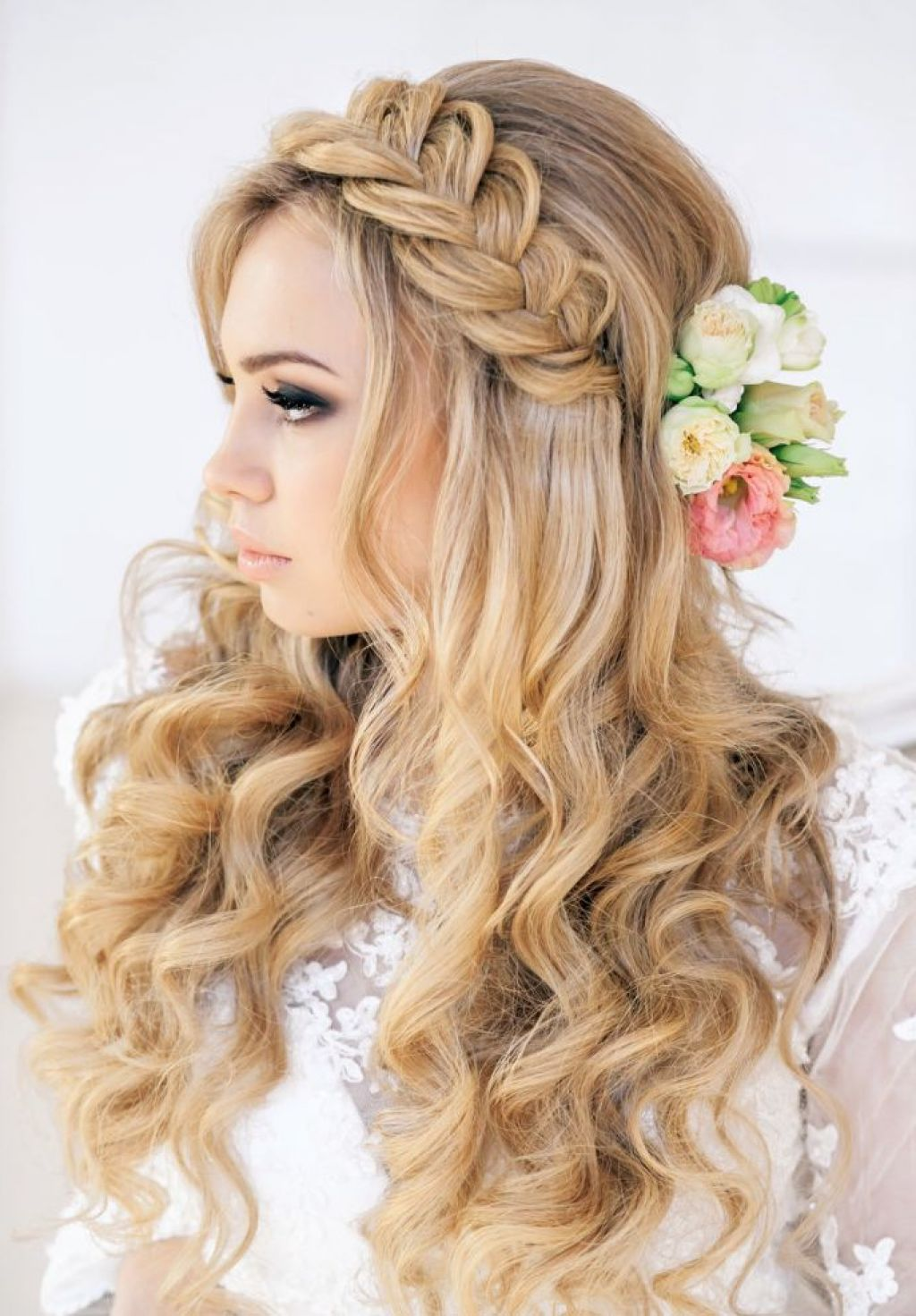 65 Prom Hairstyles That Complement Your Beauty - Fave ...